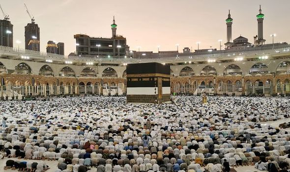 4) Learn All About the Hajj by Watching PrayerCast Videos